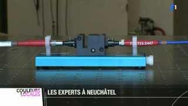 """Les inventeurs du """"spectomètre miniaturisé"""" ont reçu un prix de 500'000 francs de la banque cantonale neuchâteloise"""