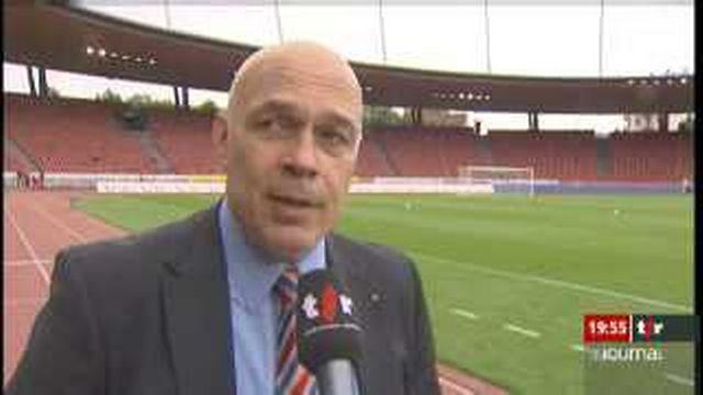 Football: Christian Gross n'est plus l'entraîneur du FC Bâle; les résultats obtenus durant la saison n'ont pas suffi à la direction du club