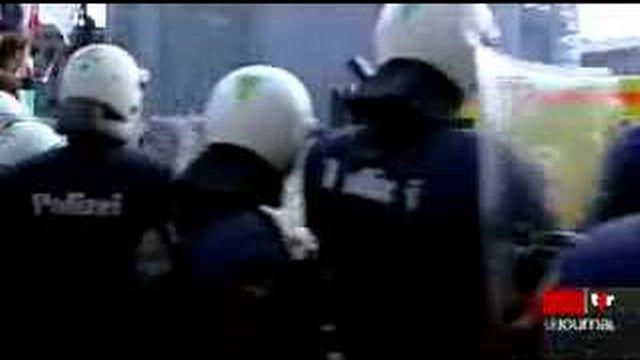 Débordements lors de la manifestation contre l'UDC: la police bernoise est montrée du doigt
