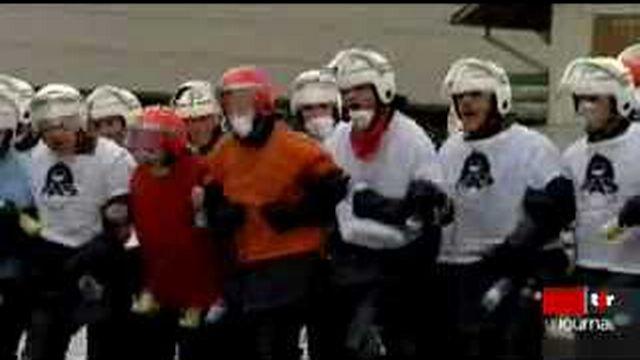 Euro 2008: les polices romandes affinent leur préparation sur la place d'armes de Bure (JU)