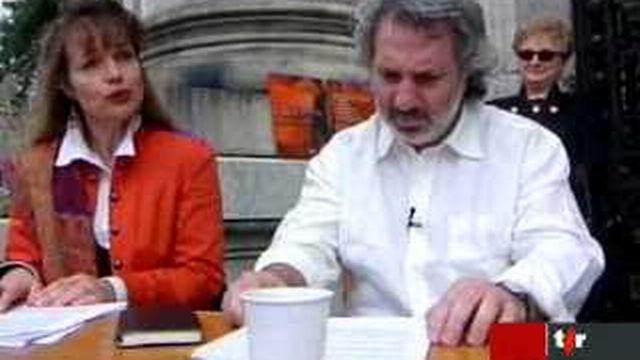 Hommage à la lecture et l'écriture sur la place de la Riponne (Lausanne) pour la journée mondiale du livre et du droit d'auteur