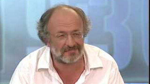 Interview de Claudio Deuel, délégué à la jeunesse, Ville de Genève - 19h30 - TV - Play RTS - Radio Télévision Suisse - 640