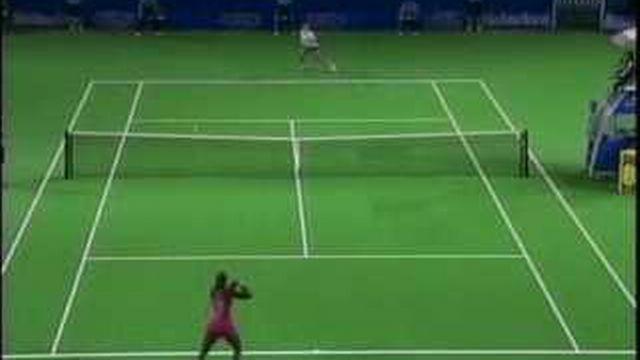 Les propos de Martina Hingis contre les soeurs Williams font monter la tension à l'US Open de New York