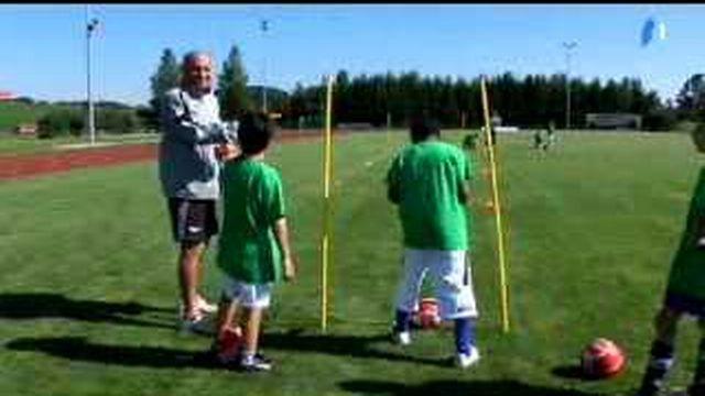Football: l'international suisse Nestor Subiat partage son expérience avec les jeunes joueurs