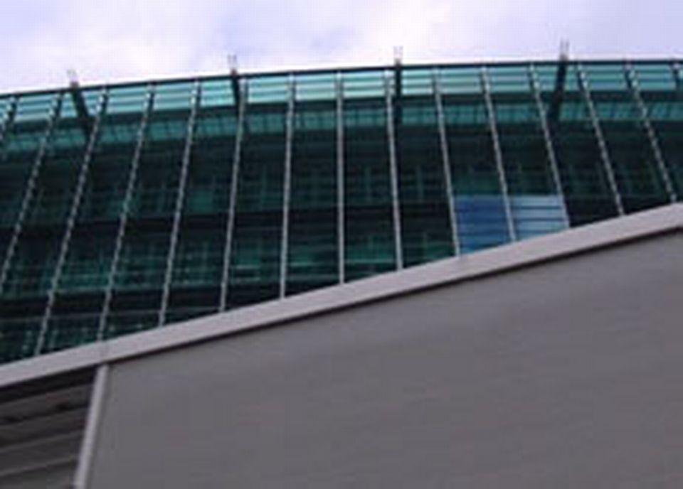 Les bâtiments modernes ne sont, de loin, pas épargnés