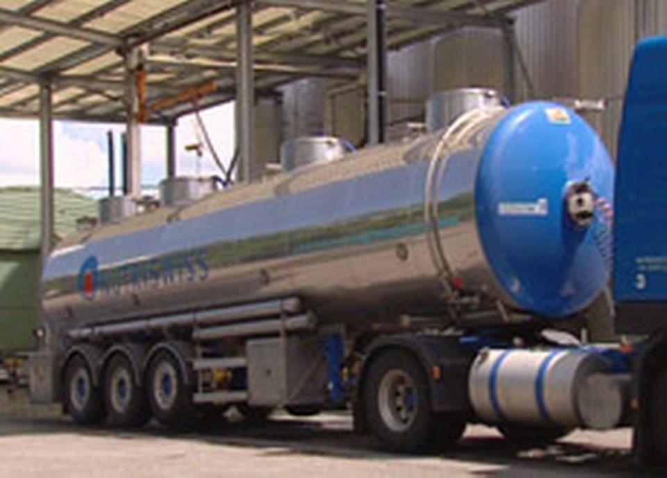 Chez Nutriswiss, cinq ou six camions font la livraison d'huile de palme quotidiennement