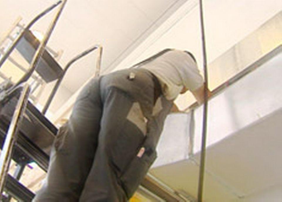 Malgré les évolutions technologiques, les employés souffrent toujours autant du dos...