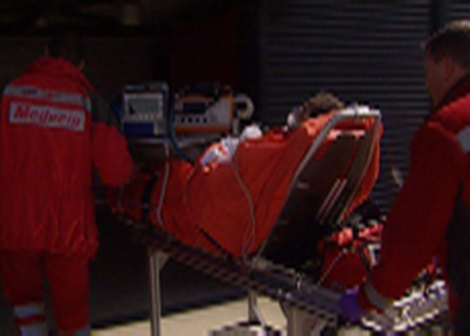 Lors de l'accident, un grand brûlé ne ressent pas de douleur en raison de la destruction des terminaisons nerveuses