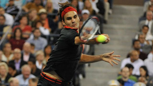 Samedi, Roger Federer retrouvera son ancien rival Lleyton Hewitt. [Keystone]