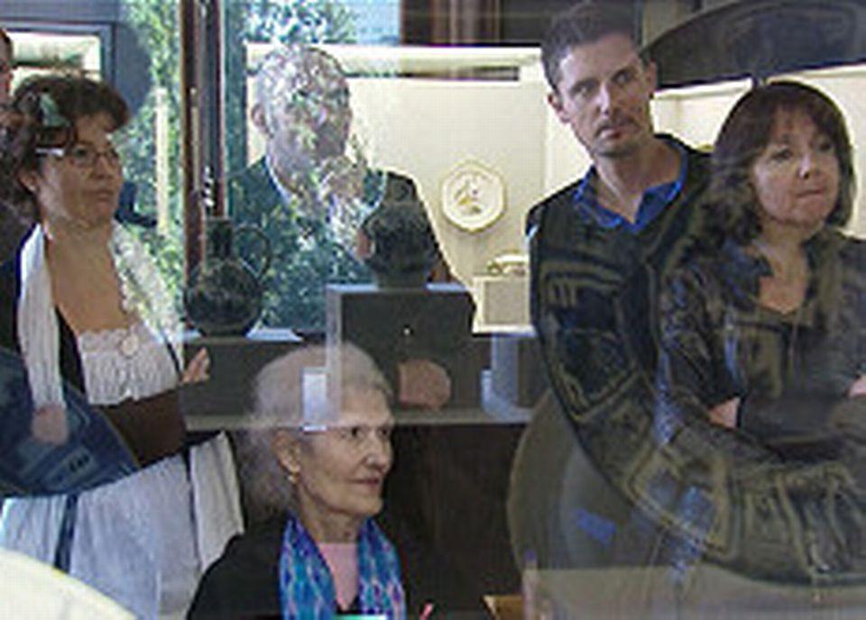 Visiteurs sourds au musée de l'Ariana, Genève