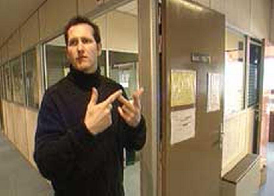 Jean-François PIQUET nous guide dans les couloirs de l'Association Les IRIS