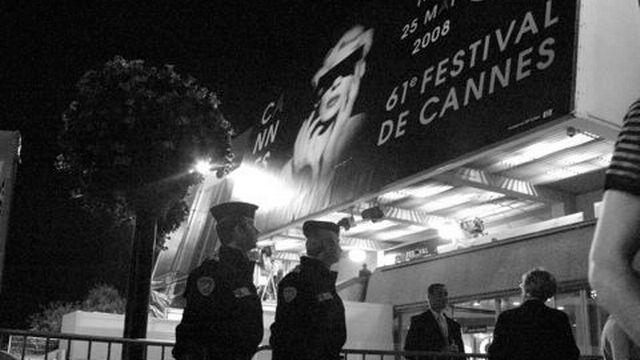 Police du tapis rouge [dominique willemin      - rsr]