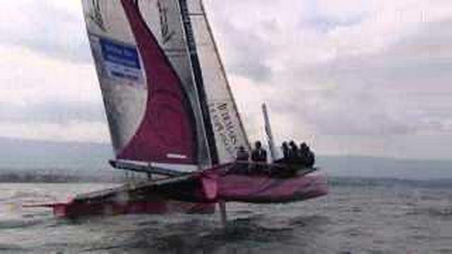 """Le magazine: le """"Ladycat"""" est un catamaran de course manoeuvré par des femmes"""