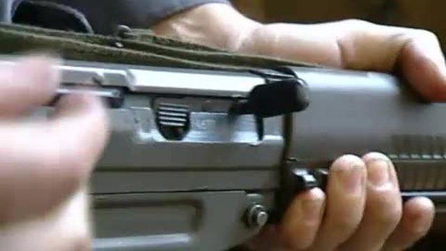 Le National garde l'arme à la maison