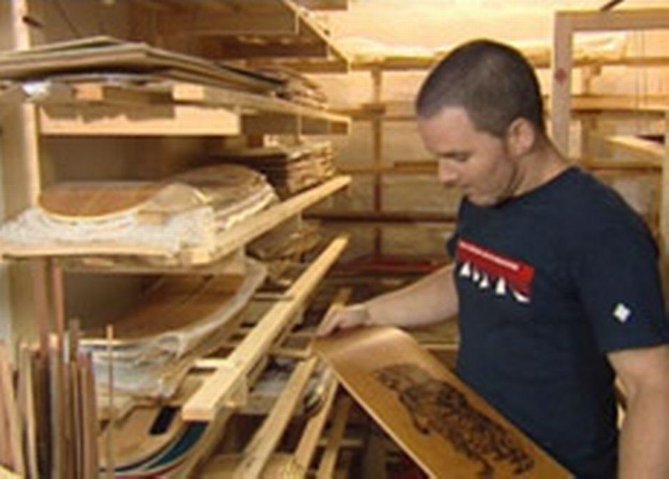 Laurent Golay dans son atelier