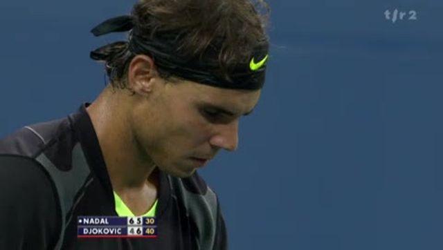 Tennis / US Open (Finale): Rafael Nadal (ESP) - Novak Djokovic (SRB). La pluie semble avoir fait du bien au Serbe qui égalise à 1 manche partout 6-4 5-7