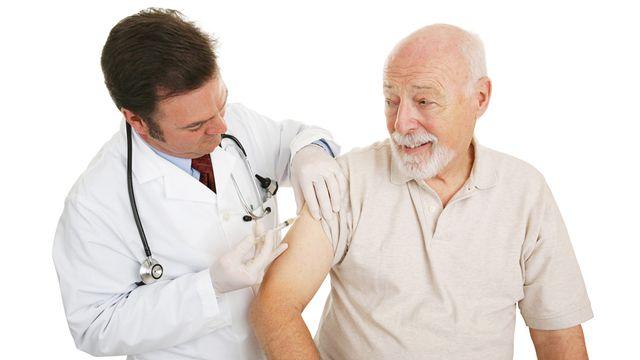 La vaccination est notamment conseillée aux personnes de 65 ans et plus. lisa f. young [lisa f. young - Fotolia]