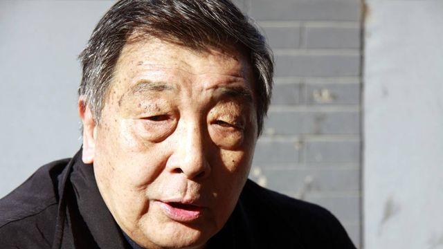 Malgré ses huitante ans et son handicap, Zhou Qing Hua continue à se battre. [Alain Arnaud - RTS]