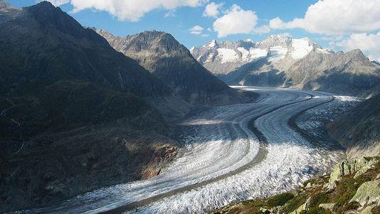 Le glacier d aletsch le plus grand glacier des alpes a lui aussi