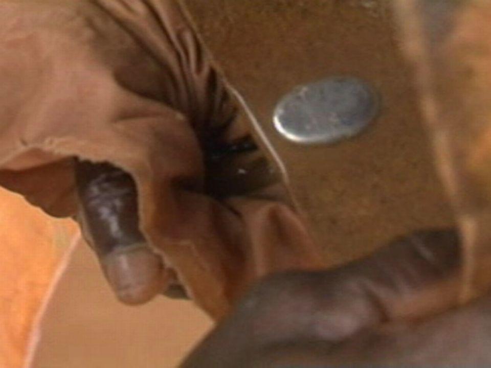 Utilisation de mercure pour extraire la poussière d'or