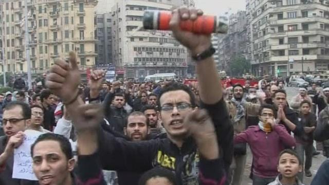 Egypte: le bras de fer entre la rue et le pouvoir