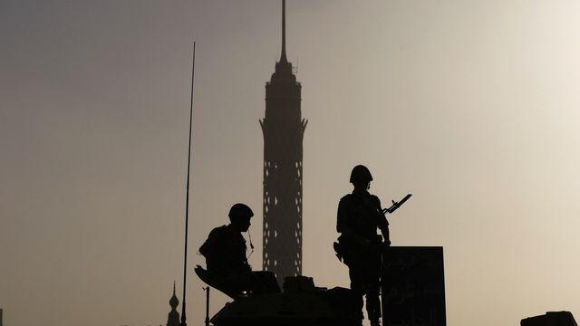 L'armée a été mobilisée pour remplacer la police en Egypte. [Khalil Hamra - Keystone]