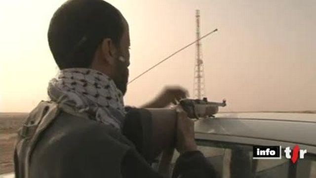Libye: les combats continuent entre les insurgés et les forces de Mouammar Kadhafi