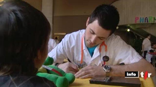 VD: à l'occasion des journées portes ouvertes du CHUV, les enfants peuvent amener leurs fidèles peluches dans un hôpital provisoire
