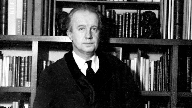 Paul Eluard (1895-1952). [Roger-Viollet/AFP]