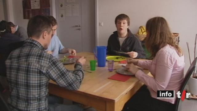 Le Grand format: à Aigues-Vertes (GE), des autistes participent à des ateliers visant à atténuer leur handicap