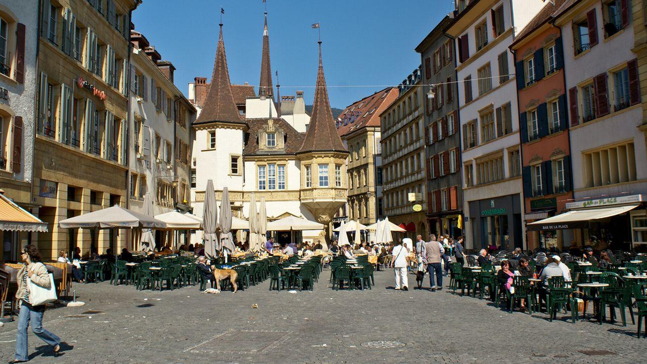 Place des Halles, à Neuchâtel. [davidpc - flickr.com]