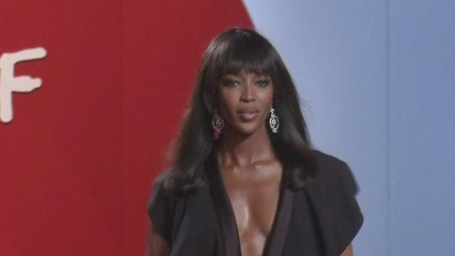 Séquences choisies - Naomi Campbell, glamour à Cannes
