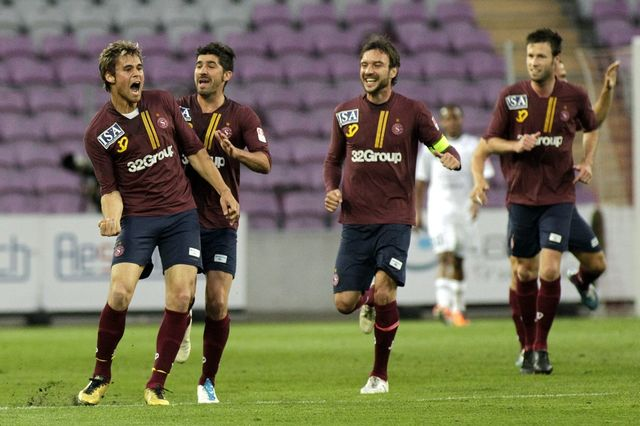 La Challenge League (ici des joueurs du Servette FC) se professionalisera-t-elle davantage? [SALVATORE DI NOLFI - Keystone]