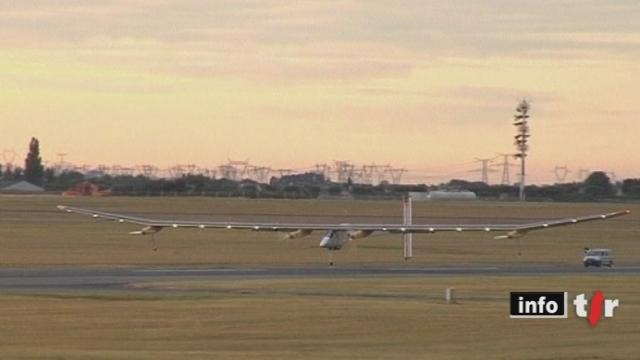 L'avion Solar Impulse s'est posé à Paris après seize heures de vol