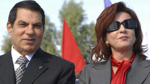 """Leila Ben Ali, ici en compagnie de son mari, était à l'origine d'une généralisation de la corruption en Tunisie, dont les principaux bénéficiaires étaient les membres de sa propre famille, les Trabelsi, qualifiée selon les observateurs ainsi que par les services de l'ambassade américaine en Tunisie de """"clan quasi-mafieux"""". [Hassene Dridi - Keystone]"""