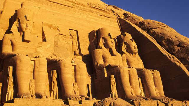 Abou Simbel, temples de Ramses II au bord du lac Nasser. [Marc Dozier - hemis.fr / AFP]