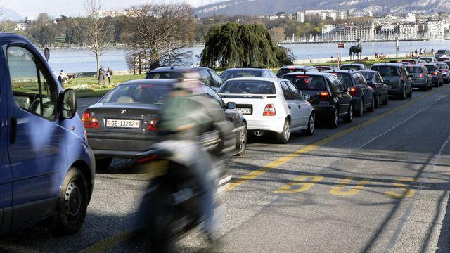 Les entrées des villes souffrent du nombre croissant de voitures. [Salvatore di Nolfi - Keystone]