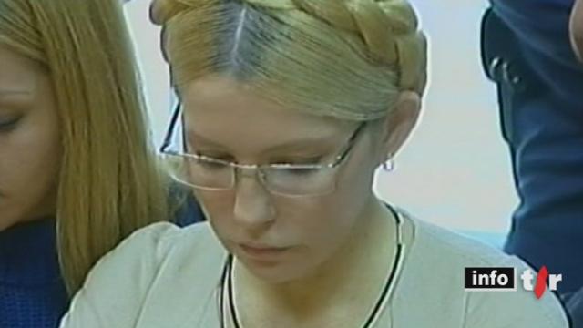 En Ukraine, l'ancien Premier ministre Ioulia Timochenko écope de sept ans de prison ferme pour abus de pouvoir dans une transaction gazière avec Moscou