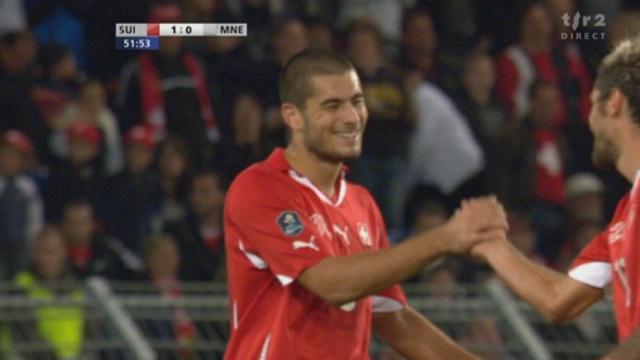 Football / Euro 2012 (éliminatoires): Suisse - Monténégro. 51e minute: la Suisse ouvre le score par Derdiyok sur une action curieuse