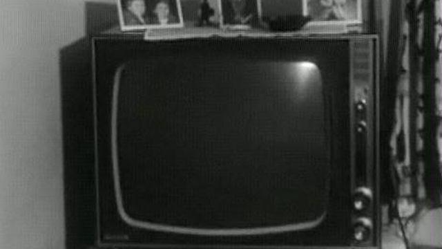 Le poste de télévision au salon [TSR 1967]