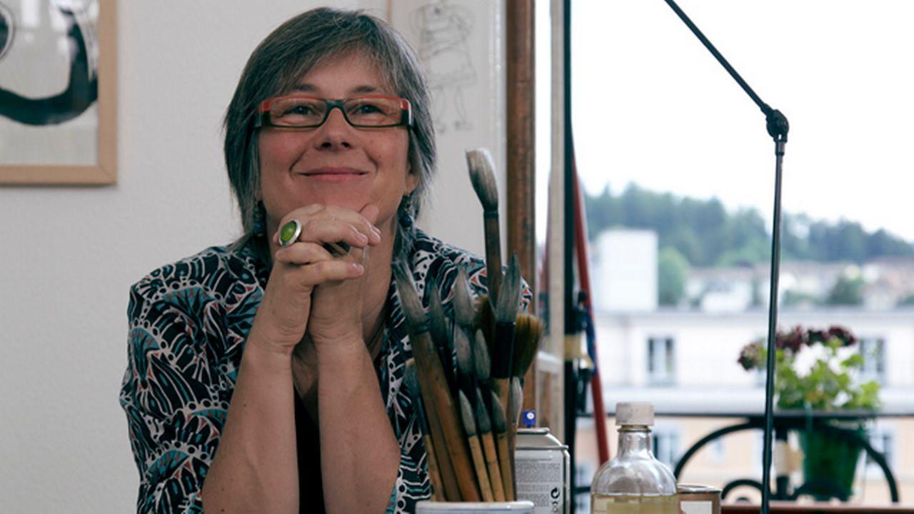 Catherine Louis dans son atelier. [Félix Mueller - catherinelouis.ch]