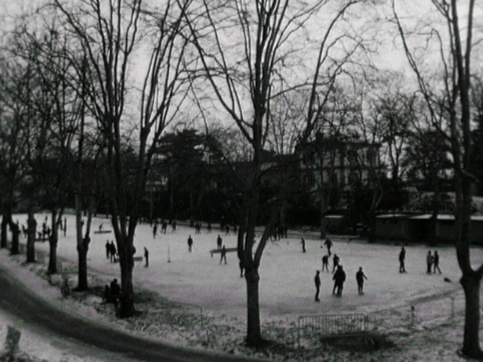 Patinoire à Neuchâtel [TSR 1964]