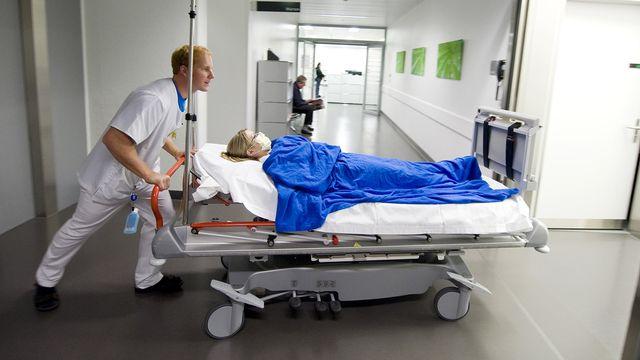 Le nombre et la durée des hospitalisations a augmenté l'an dernier en Suisse, une première depuis dix ans. [Peter Schneider - KEYSTONE]