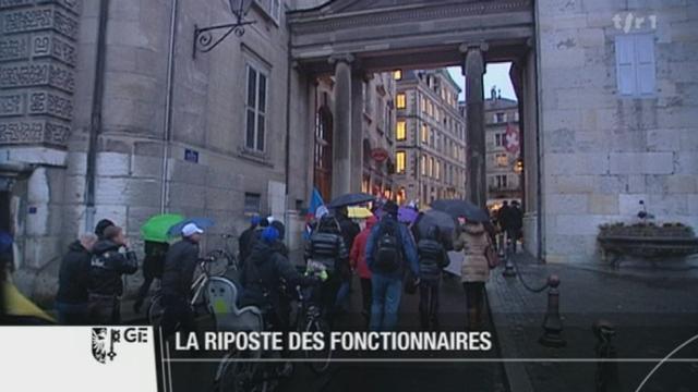GE : jeudi après-midi, des centaines de fonctionnaires genevois ont manifesté devant le Parlement