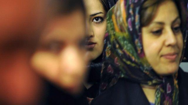 Femmes voilées. [Fred Dufour / AFP]