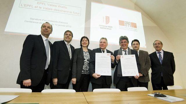 Le Conseil d'Etat était représenté en force aux côtés de Patrick Aebischer et Philippe Gillet (EPFL). [Jean-Christophe Bott - Keystone]