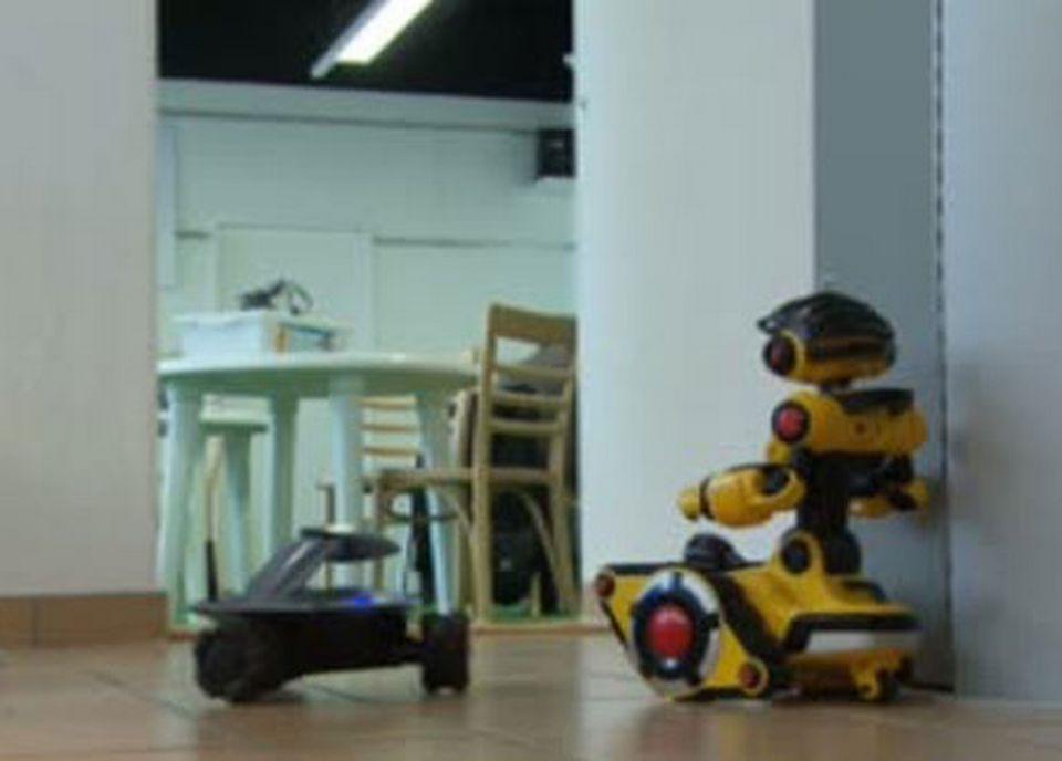 Les robots qui font de la surveillance. [RTS]