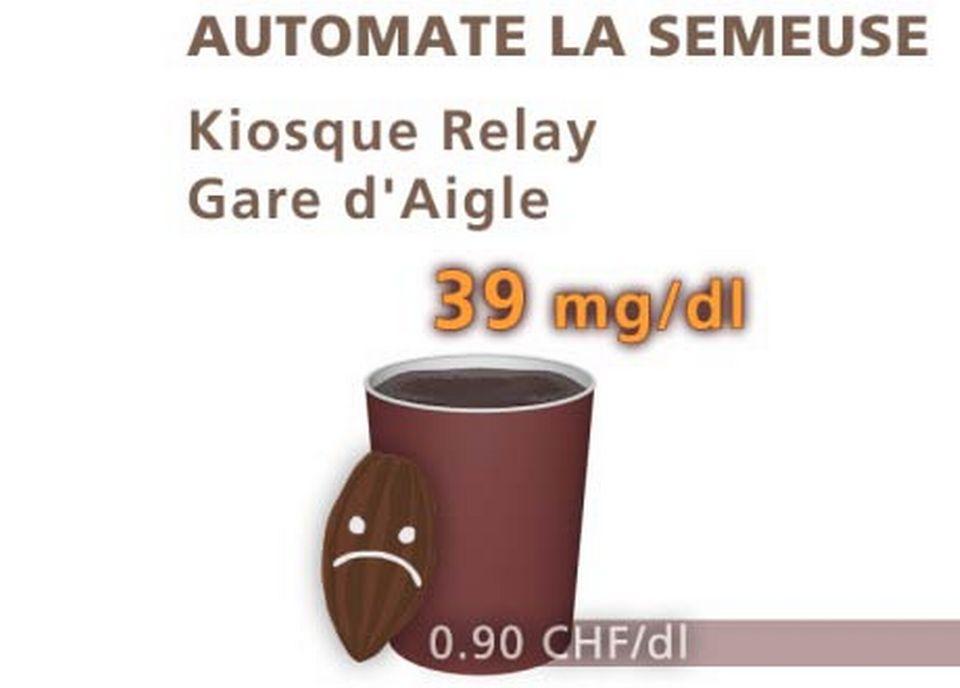 Chocolat de l'automate la Semeuse, du Kiosque Relay, à la gare d'Aigle. [Daniel Bron/RTS]