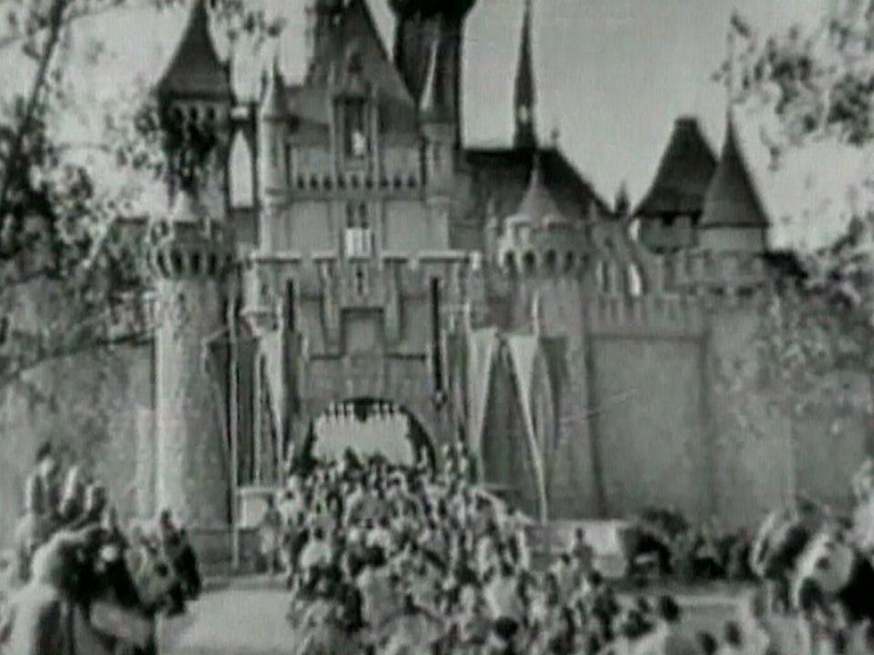 Disneyland 1952 [TSR news 2005]