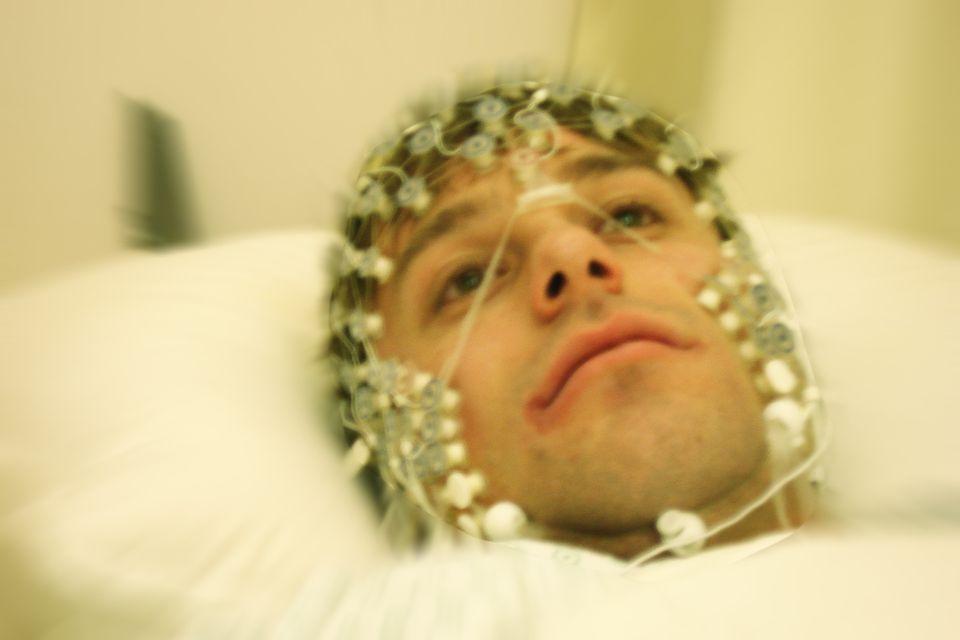 Giuseppe est dans un coma dit de conscience minimale. [Gérard Louvin - RTS]